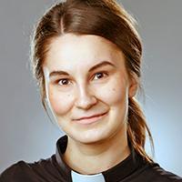 Rintakuva Tinja-Mari Lammilasta.